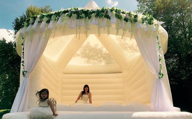 Hüpfburg für Hochzeit
